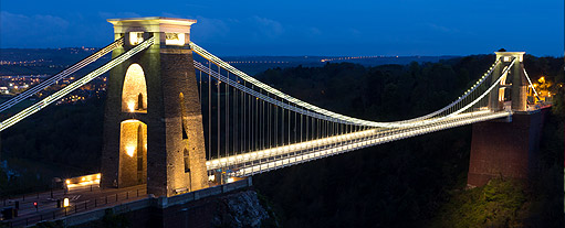 An image of the Clifton Suspension Bridge at night.
